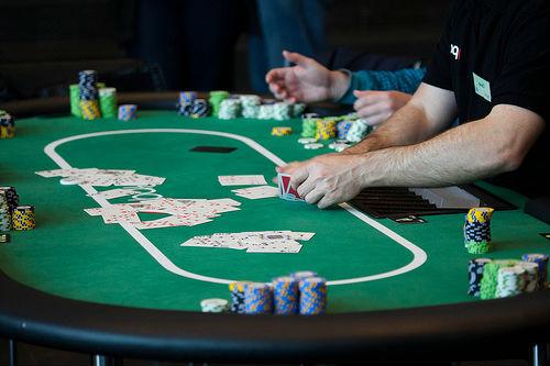 situs domino poker online